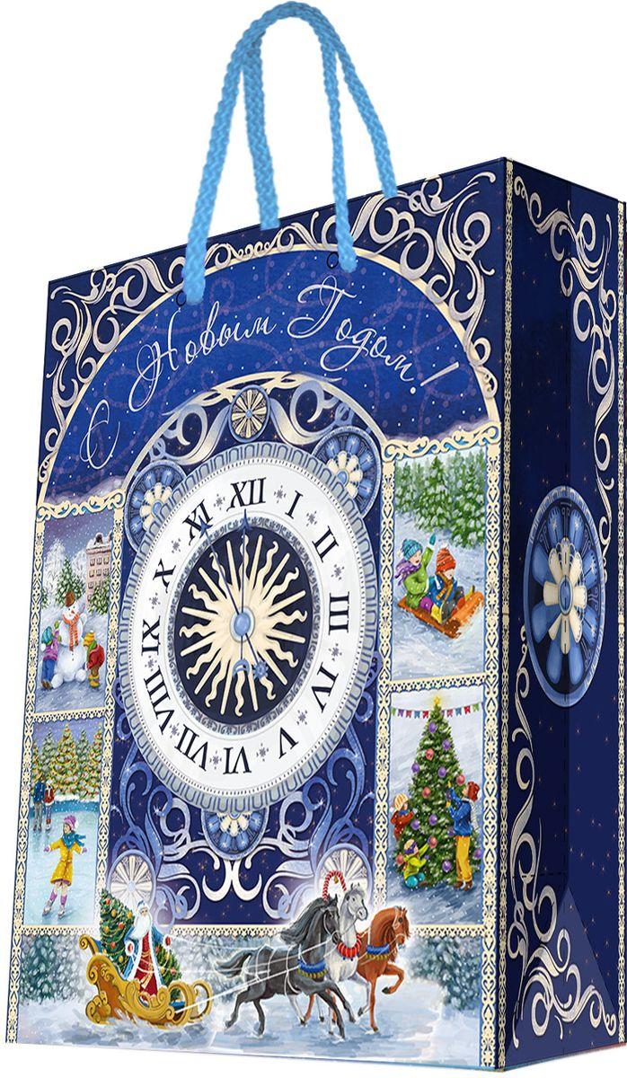 Пакет подарочный Magic Time Новогодние часы, 17,8 х 22,9 х 9,8 см75292Новогодний подарочный пакет Новогодние часы от Magic Time - это стильный и практичный вариант упаковки подарка к любимому всеми празднику. Авторский дизайн, красочное изображение, тематический рисунок - все слагаемые оригинального оформления подарка. Окружите близких людей вниманием и заботой, вручив презент в нарядном, праздничном оформлении. Пакет с матовой ламинацией изготовлен из плотной бумаги. Для удобства переноски имеются две веревочные ручки. Дно укреплено картоном.