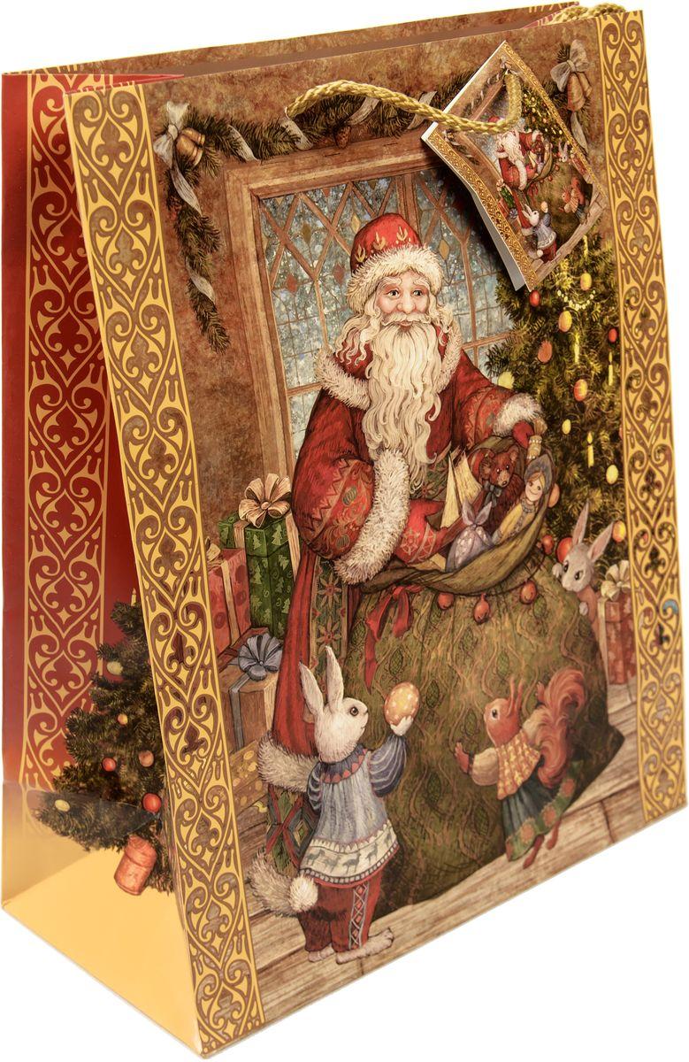 Пакет подарочный Magic Time Мешок с подарками, цвет: коричневый, зеленый, красный, 26 х 32,4 х 12,7 см75318Новогодний подарочный пакет Мешок с подарками от Magic Time - это стильный и практичный вариант упаковки подарка к любимому всеми празднику. Авторский дизайн, красочное изображение, тематический рисунок - все слагаемые оригинального оформления подарка. Окружите близких людей вниманием и заботой, вручив презент в нарядном, праздничном оформлении. Пакет с матовой ламинацией изготовлен из плотной бумаги. Для удобства переноски имеются две веревочные ручки. Дно укреплено картоном.