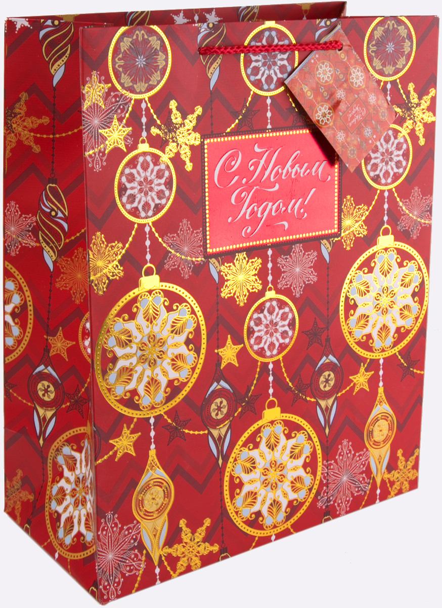 Пакет подарочный Magic Time Золото на красном, 17,8 х 22,9 х 9,8 см75352Новогодний подарочный пакет Золото на красном от Magic Time - это стильный и практичный вариант упаковки подарка к любимому всеми празднику. Авторский дизайн, красочное изображение, тематический рисунок - все слагаемые оригинального оформления подарка. Окружите близких людей вниманием и заботой, вручив презент в нарядном, праздничном оформлении. Пакет с матовой ламинацией изготовлен из плотной бумаги. Для удобства переноски имеются две веревочные ручки. Дно укреплено картоном. Подарочный пакет с 2-х цветным тиснением придаст дополнительный запоминающийся эффект от подарка или покупки.