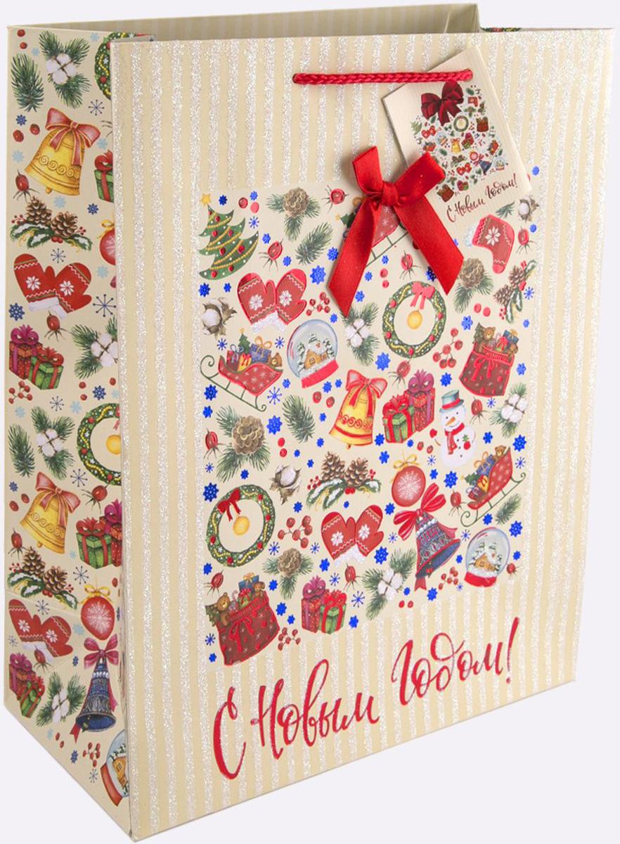 """Новогодний подарочный пакет """"Новогодний калейдоскоп"""" от """"Magic Time"""" - это стильный и практичный вариант упаковки подарка к любимому всеми празднику. Авторский дизайн, красочное изображение, тематический рисунок - все слагаемые оригинального оформления подарка. Окружите близких людей вниманием и заботой, вручив презент в нарядном, праздничном оформлении. Пакет с матовой ламинацией изготовлен из плотной бумаги. Для удобства переноски имеются две веревочные ручки. Дно укреплено картоном. Подарочный пакет с 2-х цветным тиснением, глиттером и бантом придаст дополнительный запоминающийся эффект от подарка или покупки."""