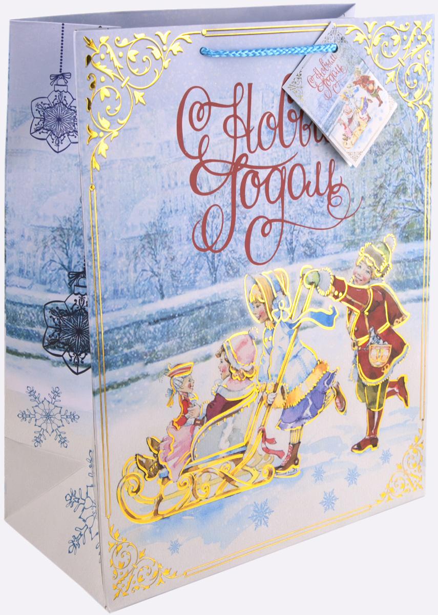 Пакет подарочный Magic Time Счастливое семейство, цвет: голубой, золотой, красный, 26 х 32,4 х 12,7 см75362Новогодний подарочный пакет Счастливое семейство от Magic Time - это стильный и практичный вариант упаковки подарка к любимому всеми празднику. Авторский дизайн, красочное изображение, тематический рисунок - все слагаемые оригинального оформления подарка. Окружите близких людей вниманием и заботой, вручив презент в нарядном, праздничном оформлении. Пакет с матовой ламинацией изготовлен из плотной бумаги. Для удобства переноски имеются две веревочные ручки. Дно укреплено картоном. Подарочный пакет с тиснением придаст дополнительный запоминающийся эффект от подарка или покупки.