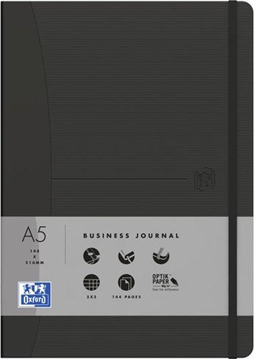 Oxford Блокнот Office Signature цвет черный 72 листа в клетку400049399Премиальные блокноты Oxford Office Signature идеально подойдут для ежедневных записей и заметок. Широкий ассортимент форматов и цветов не оставит равнодушным ни одного профессионала.Основные характеристики:-Прочная текстурированная обложка из ламинированного плотного картона с закругленными углами.-Надежный переплет (прошивка корешка нитками).-Закладка-ляссе в цвет обложки.-Уникальная бумага Optik Paper 80г/м2 (72 листа).-Задний карман для хранения мелочей. -Эластичная фиксирующая резинка.-Полезные информационные страницы.