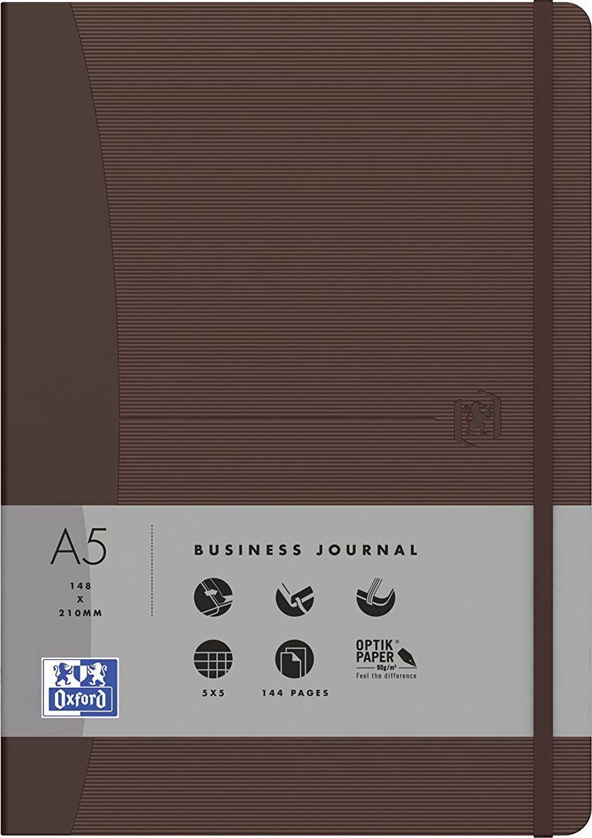 Oxford Блокнот Office Signature цвет коричневый 72 листа в линейку400053151Премиальные блокноты Oxford Office Signature идеально подойдут для ежедневных записей и заметок. Широкий ассортимент форматов и цветов не оставит равнодушным ни одного профессионала.Основные характеристики:-Прочная текстурированная обложка из ламинированного плотного картона с закругленными углами.-Надежный переплет (прошивка корешка нитками).-Закладка-ляссе в цвет обложки.-Уникальная бумага Optik Paper 80г/м2 (72 листа).-Задний карман для хранения мелочей. -Эластичная фиксирующая резинка.-Полезные информационные страницы.