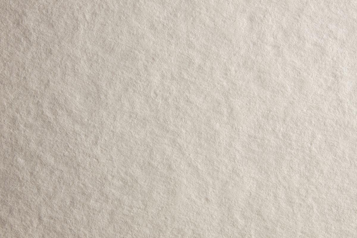 Fabriano Альбом для акварели Watercolour Studio 12 листов 7270243272702432Fabriano Watercolour Studio может быть использована для акварели, темперы, гуаши, акрила, чернил, и графита.Бумага изготавливается из смеси высококачественной целлюлозы и хлопка (25%). Отсутствие кислот в составе гарантирует длительную сохранность готовых работ. Бумага Watercolour Studio прекрасно подойдет для начинающих художников и студентов.