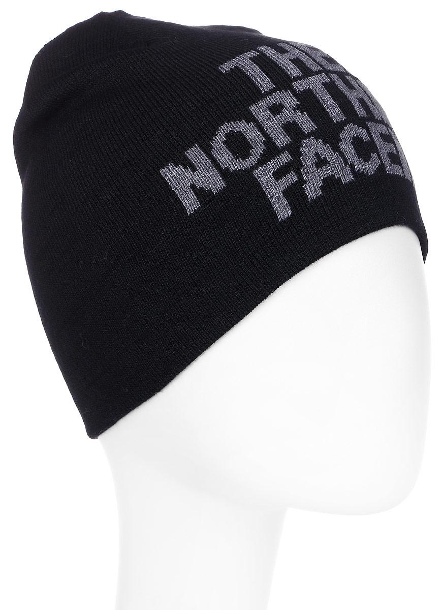 Шапка The North Face Highline Beanie, цвет: черный. T0A5WGGAN. Размер универсальныйT0A5WGGANУниверсальная и теплая шапка The North Face Bones Beanie подойдет для холодной погоды. Изделие выполнено из высококачественного материала. Сочетание технологичного утеплителя PrimaLoft и шерсти обеспечивает сохранение тепла и удобную посадку. Сбоку шапку украшает логотип бренда. Шапка двусторонняя и позволит ее владельцу выглядеть по-разному.