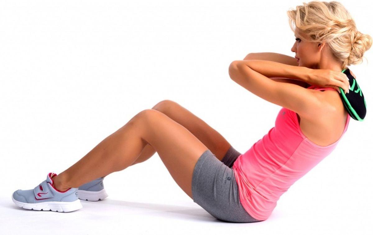 Диск-утяжелитель Bradex, 2 кгSF 0284Диск-утяжелитель 2 кг — это действенный способ быстро увеличить тонус тела и улучшить свою спортивную форму.Повышает эффективность любых упражнений Снаряд выполнен из мягкой ткани, наполнен песком, поэтому не травмирует пальцы во время выполнения упражнений, не повреждает пол.