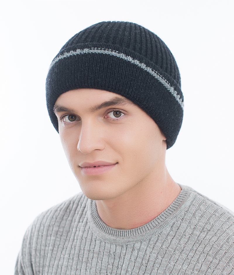 Шапка мужская Marhatter, цвет: темно-синий. Размер 57/59. MMH6721/2MMH6721/2Универсальная шапка, отлично подходит под любой стиль одежды. Сдержанный строгий дизайн, деликатная отделка и классические цвета.