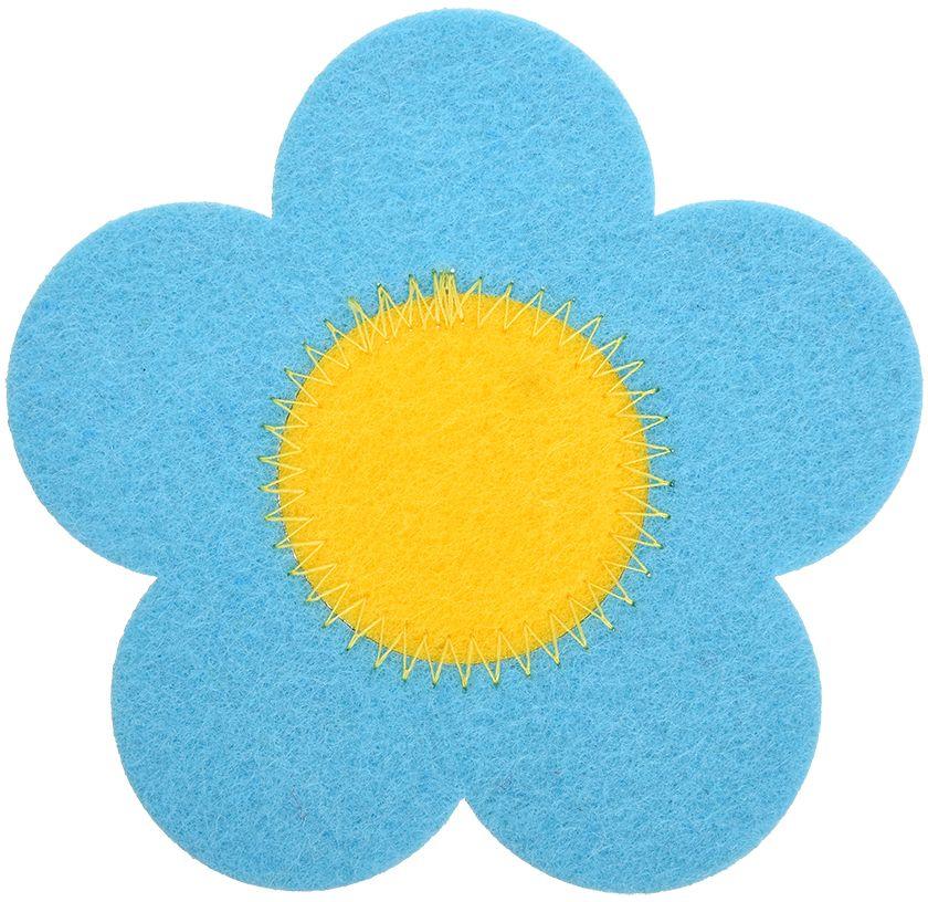 """Подставка Marmiton """"Цветочек"""" изготовлена из фетра в виде цветочка. Изделие предназначено для защиты поверхности стола от воздействия высоких температур, механических повреждений и загрязнений."""