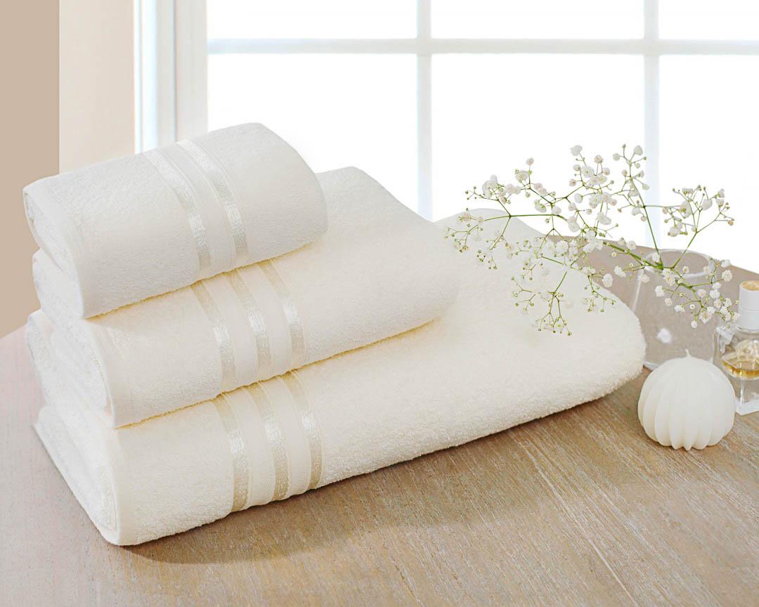 Полотенце Dome Harmonika, цвет: молочный, 50 х 80 смdme283542Махровое полотенце Dome Harmonika - это практичное решение на каждый день. Полотенце мягкое, пушистое и отлично впитывает влагу, в то же время, изделия такой плотности легко стираются и быстро сохнут. Бренд Dome - датское представление о честности, качестве, комфорте и семейных ценностях. Ориентируясь на философию Hugge, разработанную в известном Институте счастья в Копенгагене, компании удалось создать предметы потребления, которые являются базовыми элементами уюта и комфорта в вашем доме. Бренд Dome демонстрирует европейский взгляд на безупречный вкус, высокое качество и практичность. Индивидуальность бренда Dome заключается в стремлении к простоте и минимализму в соответствии с феноменом концепцией Hugge.
