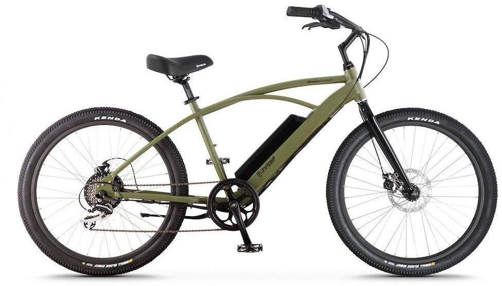 Электровелосипед Jucied Bikes Ocean Current 11, цвет: темно-зеленый. OC11SAGOC11SAGЭлектровелосипед Jucied Bikes Ocean Current 11 отличается очень высоким качеством изготовления стандартной рамы и красочного покрытия. Это обеспечивает надежность и безопасность велогибрида. И на нем очень приятно ездить.С левой стороны расположена панель управления, на ней имеются следующие функции: уровень заряда аккумулятора, режимы скоростей и кнопка включения/выключения.Правая ручка дополнена удобным механическим тормозом. Дисковые механические тормоза обеспечивают плавное торможение, и уверенную остановку практически на любой поверхности.Педали с широкой платформой дополнены небольшими шипами, что позволяет удобно и надежно поставить ногу.Передняя амортизационная вилка, достойно отработает все неровности, спуски и ямы, которые попадут под переднее колесо.Электродвигатель в паре с емким аккумулятором 10,4 Ah за считанные секунды разгоняют данный велогибрид до 50 км/ч.Характеристики:Новые более мощные велогибриды имеют 9 транзисторных контроллеров 48 вольт.Максимальная скорость: 50 км/ч.Дальность хода: до 90 км.Редукторный двигатель: 500 Вт.Датчик хода и датчик дроссельной заслонки.1 7.4 AA Super Extended Range & 8,8 Ah Hyper Extended Range Packs совместимы со всеми OceanCurrents.Классический стиль крейсера прекрасно сочетается с балансной батареей на 48 В.Современные чувствительные педали усиливают прокрутку до 1000 раз в секунду. Сгладьте полосу или поднимите скорость до 50 километров в час.Какой велосипед выбрать? Статья OZON Гид