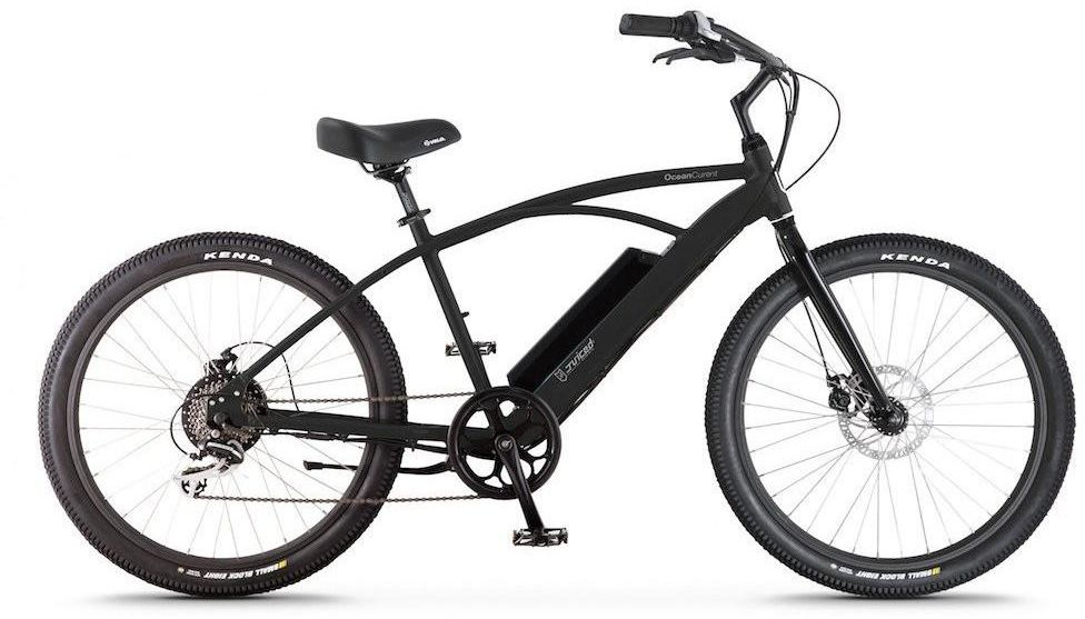 Электровелосипед Jucied Bikes Ocean Current 11, цвет: черный. OC11SBOC11SBЭлектровелосипед Jucied Bikes Ocean Current 11 отличается очень высоким качеством изготовления стандартной рамы и красочного покрытия. Это обеспечивает надежность и безопасность велогибрида. И на нем очень приятно ездить.С левой стороны расположена панель управления, на ней имеются следующие функции: уровень заряда аккумулятора, режимы скоростей и кнопка включения/выключения.Правая ручка дополнена удобным механическим тормозом. Дисковые механические тормоза обеспечивают плавное торможение, и уверенную остановку практически на любой поверхности.Педали с широкой платформой дополнены небольшими шипами, что позволяет удобно и надежно поставить ногу.Передняя амортизационная вилка, достойно отработает все неровности, спуски и ямы, которые попадут под переднее колесо.Электродвигатель в паре с емким аккумулятором 10,4 Ah за считанные секунды разгоняют данный велогибрид до 50 км/ч.Характеристики:Новые более мощные велогибриды имеют 9 транзисторных контроллеров 48 вольт.Максимальная скорость: 50 км/ч.Дальность хода: до 90 км.Редукторный двигатель: 500 Вт.Датчик хода и датчик дроссельной заслонки.1 7.4 AA Super Extended Range & 8,8 Ah Hyper Extended Range Packs совместимы со всеми OceanCurrents.Классический стиль крейсера прекрасно сочетается с балансной батареей на 48 В.Современные чувствительные педали усиливают прокрутку до 1000 раз в секунду. Сгладьте полосу или поднимите скорость до 50 километров в час.