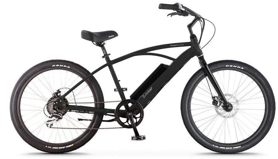 Электровелосипед Jucied Bikes Ocean Current 8, цвет: черный. OC8SBOC8SBЭлектровелосипед Jucied Bikes Ocean Current 8 отличается очень высоким качеством изготовления стандартной рамы и красочного покрытия. Это обеспечивает надежность и безопасность велогибрида. На нем очень приятно ездить.С левой стороны расположена панель управления, на ней имеются следующие функции: уровень заряда аккумулятора, режимы скоростей и кнопка включения/выключения.Правая ручка дополнена удобным механическим тормозом. Дисковые механические тормоза обеспечивают плавное торможение, и уверенную остановку практически на любой поверхности.Педали с широкой платформой дополнены небольшими шипами, что позволяет удобно и надежно поставить ногу.Передняя амортизационная вилка, достойно отработает все неровности, спуски и ямы, которые попадут под переднее колесо.Электродвигатель в паре с емким аккумулятором 8,8 Ah за считанные секунды разгоняют данный велогибрид до 50 км/ч.Характеристики:Новые более мощные велогибриды имеют 9 транзисторных контроллеров 48 вольт.Максимальная скорость: 50 км/ч.Дальность хода: до 72 км.Редукторный двигатель: 500 Вт.Датчик хода и датчик дроссельной заслонки.1 7.4 AA Super Extended Range & 8,8 Ah Hyper Extended Range Packs совместимы со всеми OceanCurrents.Классический стиль крейсера прекрасно сочетается с балансной батареей на 48 В.Современные чувствительные педали усиливают прокрутку до 1000 раз в секунду. Сгладьте полосу или поднимите скорость до 50 километров в час.