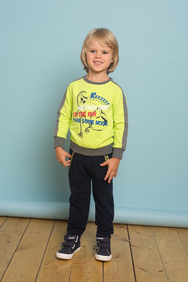 Брюки спортивные для мальчика Sweet Berry Baby, цвет: темно-синий. 731022. Размер 80731022Трикотажные брюки для мальчика Sweet Berry Baby декорированы контрастной отделкой, низ брючин собран на мягкие манжеты. Два прорезных кармана застегиваются на молнию. Пояс-резинка дополнен шнуром для регулирования объема по талии.