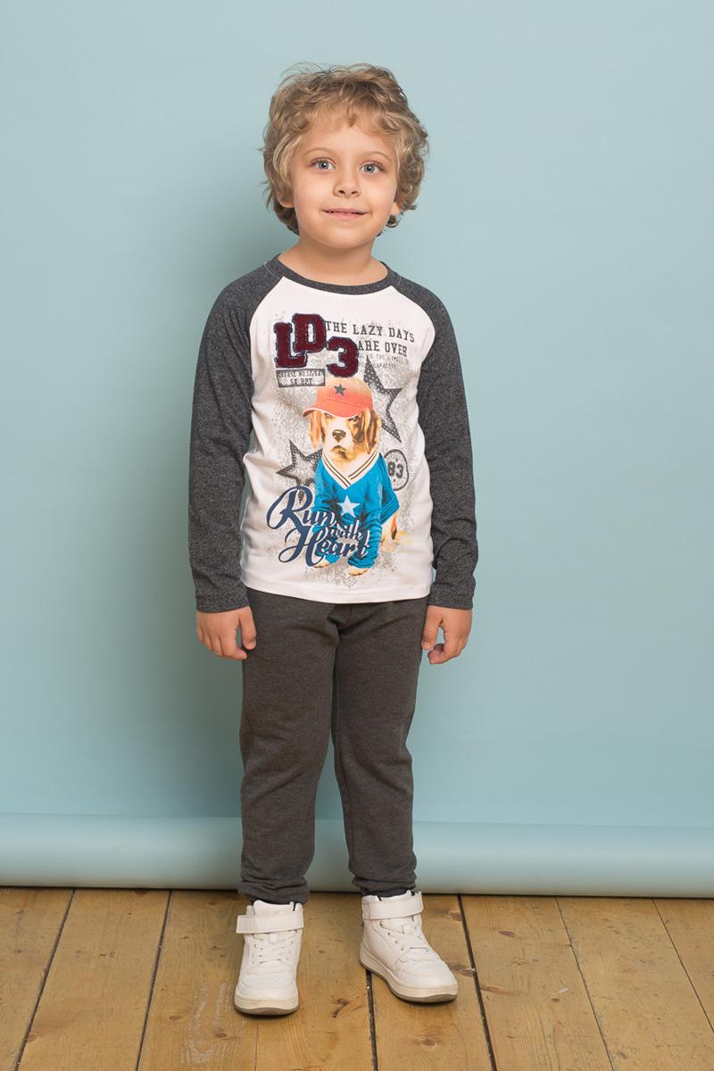 Брюки спортивные для мальчика Sweet Berry, цвет: серый металлик. 733037. Размер 116733037Трикотажные брюки для мальчика темно-серого цвета, низ брючин собран на мягкую резинку. Пояс-резинка дополнен шнуром для регулирования объема по талии.