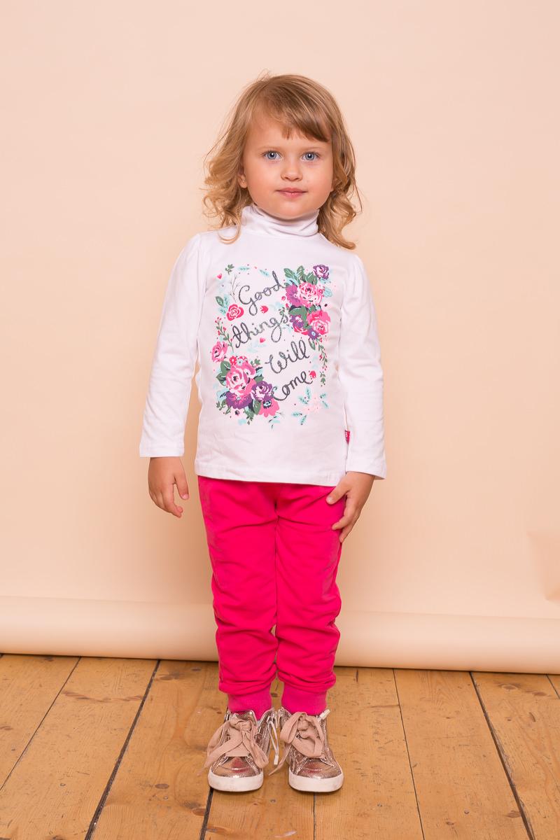 Водолазка для девочки Sweet Berry Baby, цвет: белый. 732014. Размер 98732014Белая трикотажная водолазка для девочки декорированная ярким цветочным принтом. Воротник-стойка сзади застегивается на кнопочки.