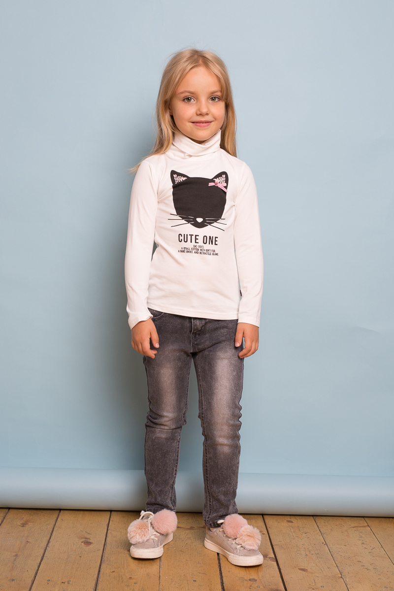 Водолазка для девочки Sweet Berry, цвет: белый. 734038. Размер 128734038Трикотажная водолазка для девочки от Sweet Berry, декорированная оригинальным принтом, выполнена из мягкой хлопковой ткани. Модель с длинными рукавами и воротником-гольф.