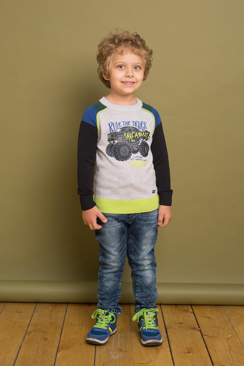 Джемпер для мальчика Sweet Berry, цвет: светло-серый, черный. 733093. Размер 128733093Яркий вязаный джемпер для мальчика от Sweet Berry, декорированный оригинальным принтом, выполнен из разноцветной хлопковой пряжи. Модель с длинными рукавами и круглым вырезом горловины.