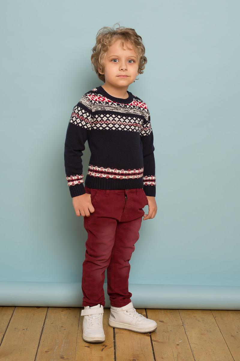 Джемпер для мальчика Sweet Berry, цвет: темно-синий. 733028. Размер 110733028Вязанный джемпер темно-синего цвета для мальчика из хлопковой пряжи с оригинальным скандинавским орнаментом.