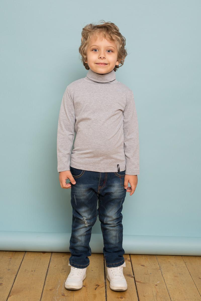 Водолазка для мальчика Sweet Berry, цвет: светло-серый. 733120. Размер 128733120Классическая светло-серая трикотажная водолазка из мягкого хлопкового полотна для мальчика. Воротник-стойка.