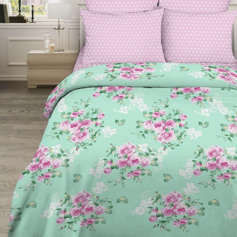 Комплект белья Василиса, 2-спальный, наволочки 70 x 70 см, 160086160086Комплект постельного белья Василиса состоит из пододеяльника, простыни и двух наволочек. Белье изготовлено из бязи (100% хлопка) - гипоаллергенного, экологичного, высококачественного, крупнозакрученного волокна. Использование особо тонкой пряжи делает ткань мягче на ощупь, обеспечивает легкое глажение и позволяет передать всю насыщенность цветовой гаммы. Благодаря более плотному переплетению нитей и использованию высококачественных импортных красителей постельное белье выдерживает до 70 стирок. На ткани не образуются катышки. Способ застегивания наволочки - клапан, пододеяльника - отверстие без застежки по краю изделия с подвернутым краем.Приобретая комплект постельного белья Василиса, вы можете быть уверены в том, что покупка доставит вам удовольствие и подарит максимальный комфорт.