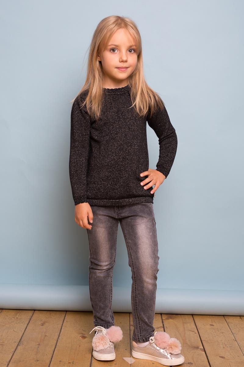 Джинсы для девочки Sweet Berry, цвет: темно-серый. 734052. Размер 98734052Модные джинсовые брюки для девочки темно-серого цвета с оригинальной варкой и потертостями. Зауженный крой, средняя посадка. Застегиваются на молнию и крючок. Шлевки на поясе рассчитаны под ремень. В боковой части пояса находятся вшитые эластичные ленты, регулирующие посадку по талии.