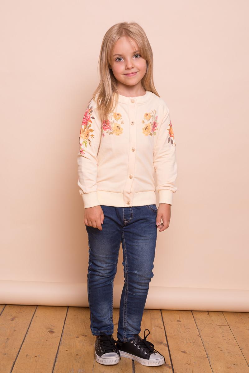 Кофта для девочки Sweet Berry, цвет: бежевый. 734135. Размер 110734135Трикотажная кофта для девочки от Sweet Berry с цветочным принтом выполнена из эластичного хлопка. Модель с длинными рукавами застегивается на пуговицы.
