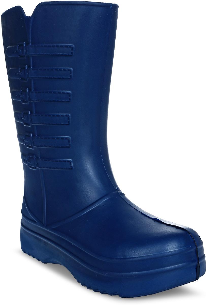 Сапоги резиновые женские Strappi, цвет: темно-синий. 703-3637. Размер 40/41703Практичные женские сапоги Strappi выполнены из прочного материала ЭВА. Благодаря литой форме они надежно защитят ваши ноги от влаги. Сапоги прекрасно сохраняют форму и не деформируются. Рельефная поверхность подошвы обеспечивает отличное сцепление с любой поверхностью. Одна из боковых сторон модели декорирована имитацией ремней с пряжками. В таких сапогах вашим ногам будет комфортно и уютно, они станут незаменимы в дождливую погоду.