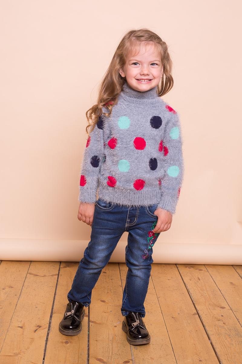 Свитер для девочки Sweet Berry Baby, цвет: серый. 732004. Размер 98732004Мягкий свитер Sweet Berry Baby для девочки выполнен из ворсовой пряжи травка. Модель с воротником-стойкой и длинными рукавами декорирована ярким вязанным горошком.
