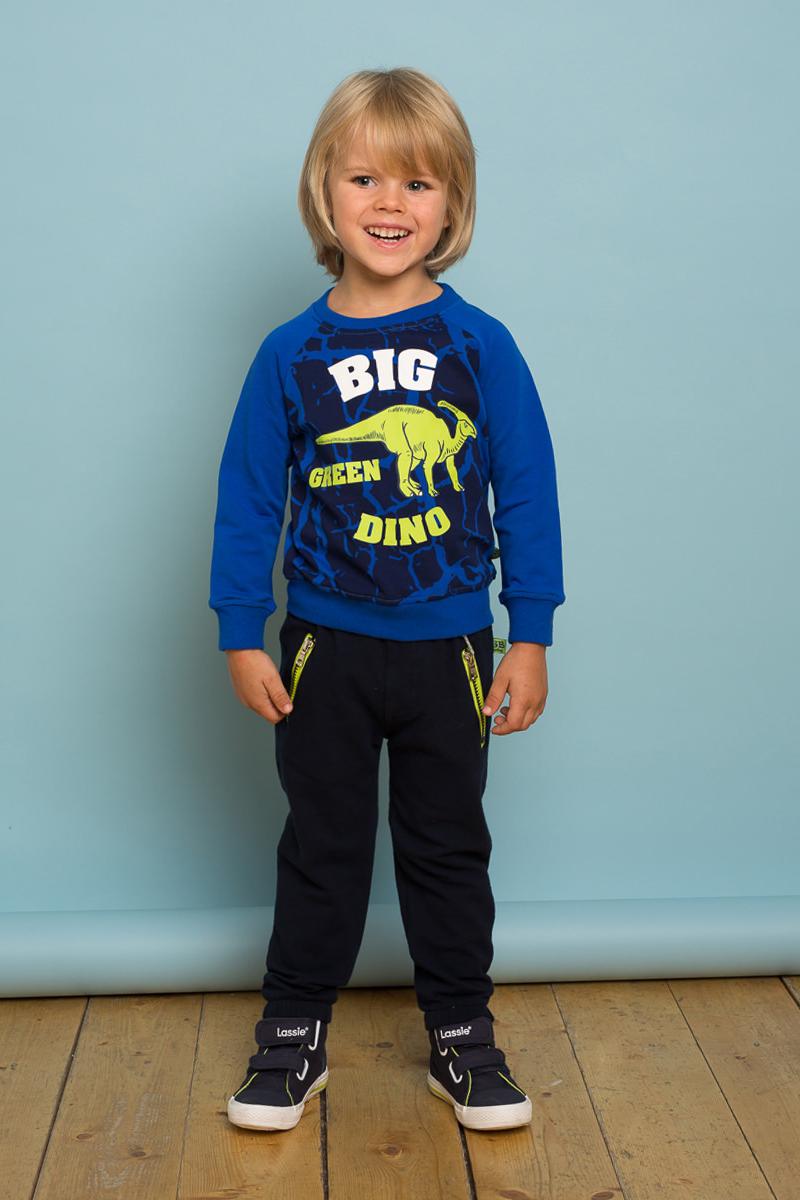Толстовка для мальчика Sweet Berry Baby, цвет: синий. 731021. Размер 98731021Трикотажная толстовка для мальчика ярко-синего цвета декорироанная модным принтом. Длинный рукава-реглан, округлый вырез горловины.