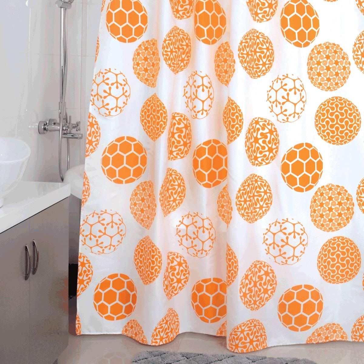 """Штора для ванной Milardo """"Orange Dots"""", изготовленная из полиэстера - водонепроницаемого, мягкого на ощупь и прочного материала, идеально защищает ванную комнату от брызг. В верхней кромке шторы предусмотрены пластиковые отверстия для колец, которые входят в комплект.Штора Milardo """"Orange Dots"""" порадует вас своим ярким дизайном и добавит уюта в ванную комнату. Плотность: 90 г/м.Количество колец: 12 шт."""