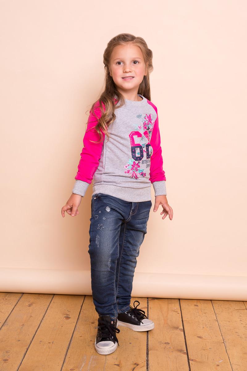 Джинсы для девочки Sweet Berry, цвет: темно-синий. 734081. Размер 110734081Утепленные джинсы для девочки от Sweet Berry на флисовой подкладке, декорированные оригинальной вышивкой и потертостями. Зауженный крой, средняя посадка. Застегиваются на молнию и пуговицу. Шлевки на поясе рассчитаны под ремень. В боковой части пояса находятся вшитые эластичные ленты, регулирующие посадку по талии.