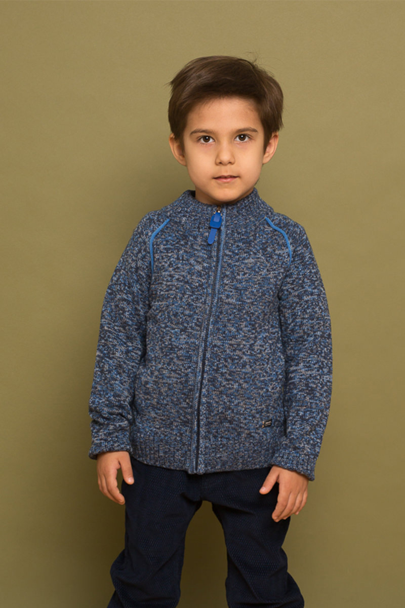 Кофта для мальчика Sweet Berry, цвет: синий. 733048. Размер 116733048Вязаная кофта для мальчика от Sweet Berry выполнена из мягкой меланжевой пряжи. Модель с длинными рукавами-реглан застегивается на молнию.
