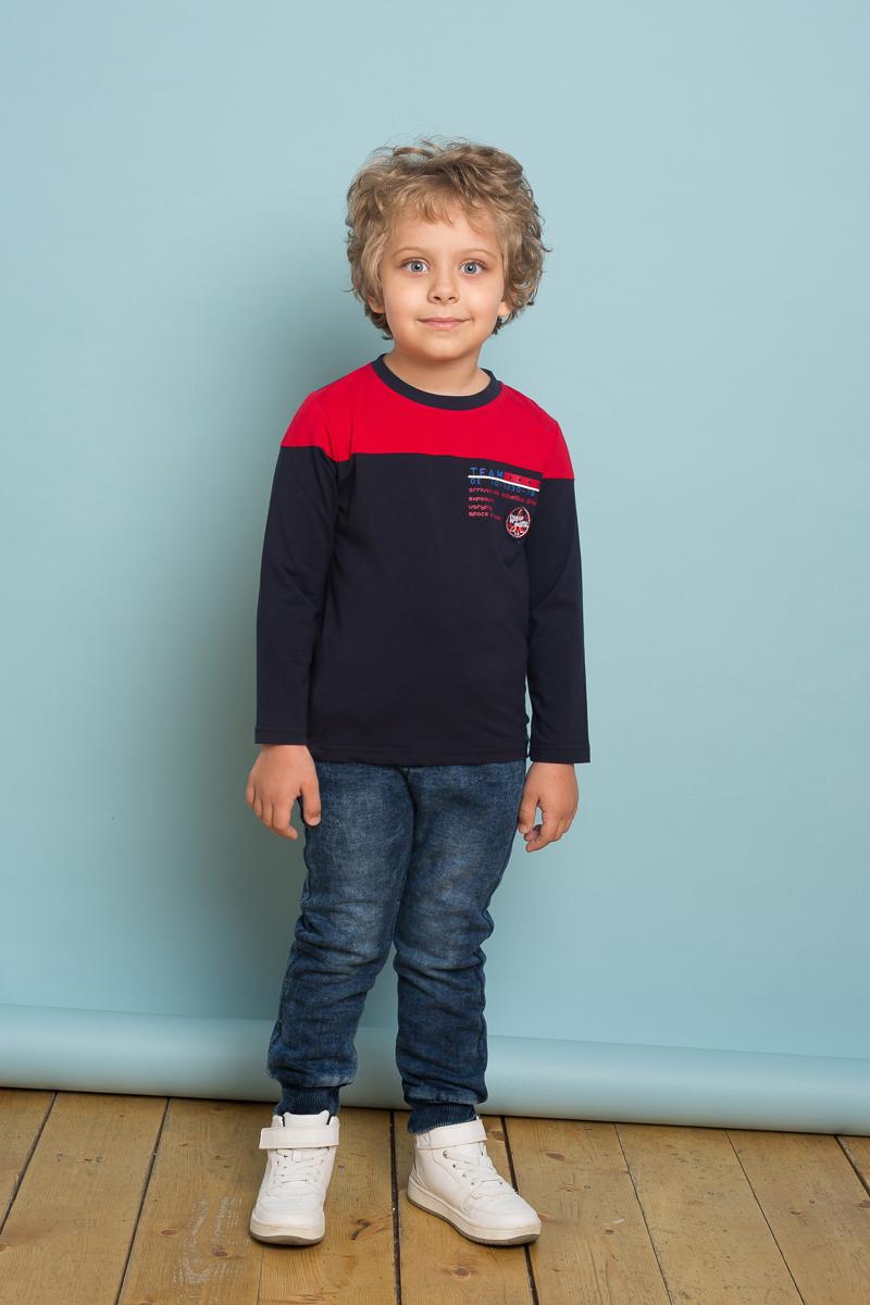 Футболка с длинным рукавом для мальчика Sweet Berry, цвет: синий. 733012. Размер 128733012Стильная трикотажная футболка с длинным рукавом из комбинированной ткани, декорированная оригинальным принтом и контрастной отделкой горловины изделия.