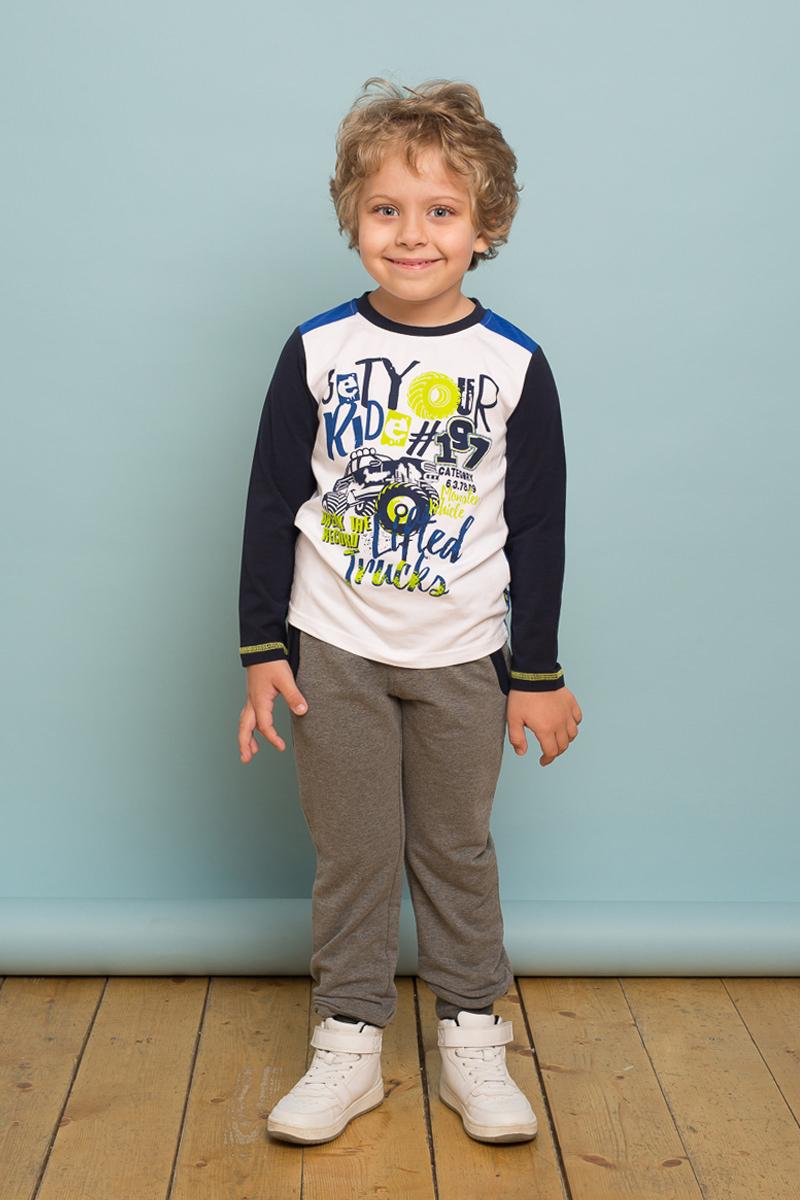 Футболка с длинным рукавом для мальчика Sweet Berry, цвет: белый. 733099. Размер 104733099Трикотажная футболка с длинным рукавом от Sweet Berry выполнена из комбинированной ткани и декорирована оригинальным принтом и контрастной отделкой горловины и рукавов.