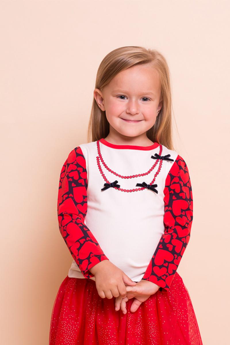 Футболка с длинным рукавом для девочки Sweet Berry Baby, цвет: молочный, красный. 732033. Размер 80732033Трикотажная футболка Sweet Berry Baby с длинным рукавом выполнена из мягкого хлопкового полотна. Модель оформлена контрастным принтом в виде сердечек по рукавам и имитацией бус с текстильными бантиками на груди.