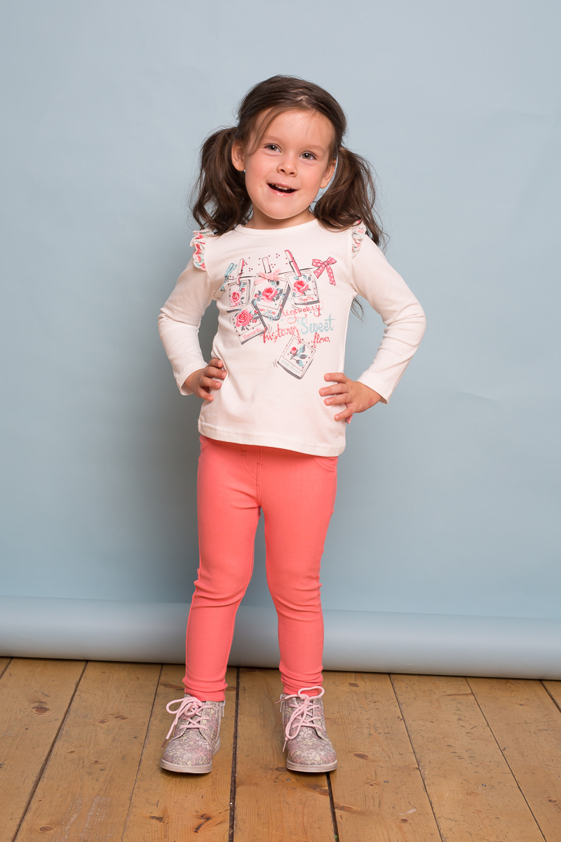 Футболка с длинным рукавом для девочки Sweet Berry Baby, цвет: слоновая кость. 732093. Размер 86732093Трикотажная футболка Sweet Berry Baby с длинным рукавом выполнена из мягкого хлопкового полотна. Модель декорирована принтом и милыми крылышками.