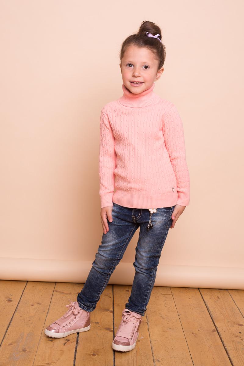 Свитер для девочки Sweet Berry, цвет: светло-розовый. 734095. Размер 128734095Модный вязаный свитер для девочки от Sweet Berry с косами выполнен из хлопковой пряжи. Модель с длинными рукавами и воротником-гольф.