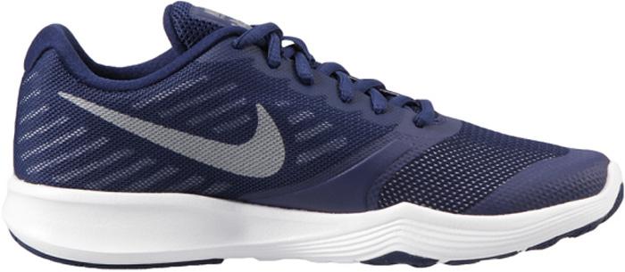 Кроссовки женские Nike City Trainer Shoe, цвет: синий, белый. 909013-400. Размер 8,5 (40)909013-400Стильные женские кроссовки Nike, выполненные из текстиля и пластика, дополнены фирменной нашивкой на язычке. Шнуровка на подъеме надежно зафиксирует обувь на ноге. Внутренняя поверхность и стелька выполнены из текстиля, комфортны при движении. Эти кроссовки созданы с непревзойденной функциональностью в движении. Они идеально подходят для циклических и интенсивных кардиотренировок. Верх из однослойной сетки для воздухопроницаемости без утяжеления. Подошва обеспечивает легкость, амортизацию, гибкость и стабилизацию. Резиновые накладки в ключевых зонах обеспечивают прочность и сцепление при движении в любом направлении. Удобная стелька создает дополнительную амортизацию. Эластичные желобки в передней части стопы для повышенной гибкости в области носка. Подошва с рифлением обеспечивает отличное сцепление на любой поверхности. Мягкие и удобные кроссовки превосходно подчеркнут ваш спортивный образ и подарят комфорт.