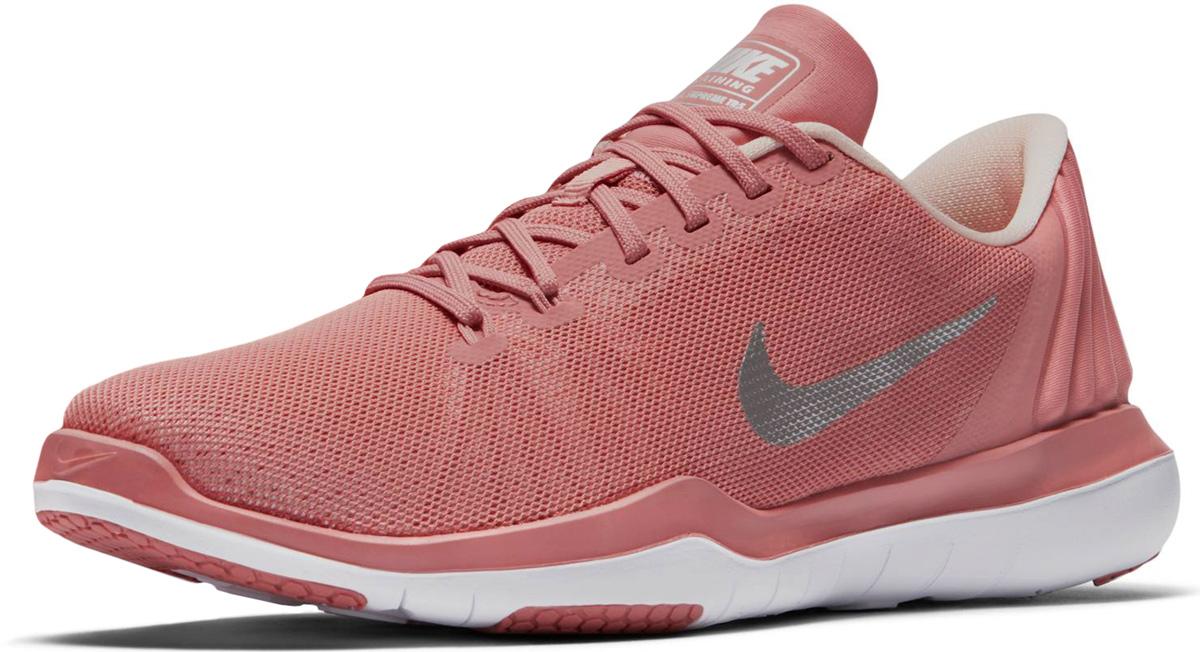 Кроссовки женские Nike Flex Supreme TR 5 Bionic Training Shoe, цвет: розовый. 917709-600. Размер 8 (39)917709-600Женские кроссовки для тренинга Nike отвечают всем твоим требованиям: воздухопроницаемость без утяжеления благодаря ультрагибкой подметке, которая повторяет движения стопы. Минималистичный дизайн обеспечивает поддержку, фиксацию и гибкость только там, где это необходимо. Легкий сетчатый верх обеспечивает воздухопроницаемость и гибкость для полной концентрации на спорте. Нити Flywire в передней части стопы создают динамическую фиксацию. Внутренняя поверхность и стелька, выполненные из текстиля комфортны при движении. Подошва с рифлением обеспечивает отличное сцепление на любой поверхности. Мягкие и удобные, кроссовки превосходно подчеркнут ваш спортивный образ и подарят комфорт.