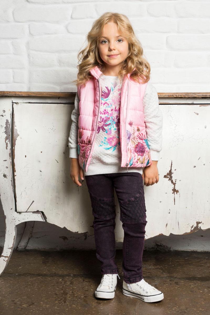 Толстовка для девочки Sweet Berry, цвет: серый. 734006. Размер 128734006Удлиненная толстовка для девочки из трикотажного полотна с удлиненной спинкой светло-серого цвета декорированная ярким цветочным принтом.