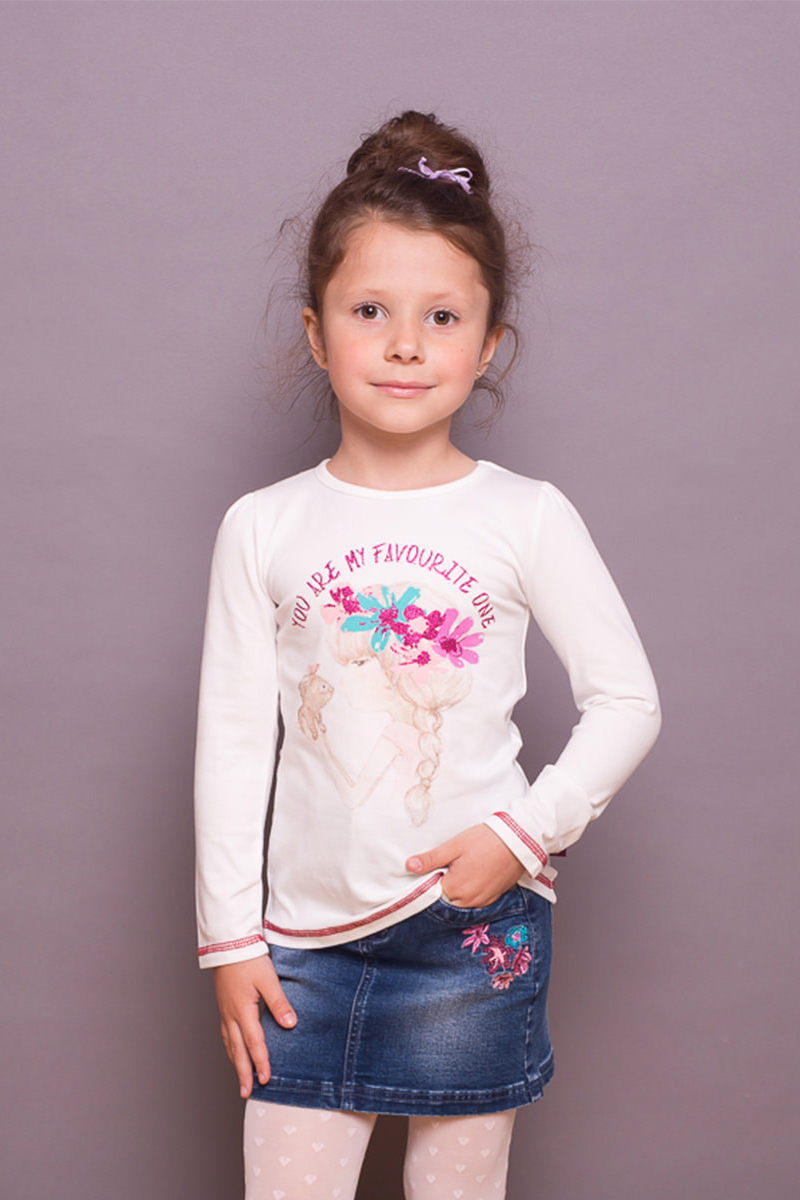 Футболка с длинным рукавом для девочки Sweet Berry, цвет: слоновая кость. 734007. Размер 116734007Трикотажная футболка с длинным рукавом от Sweet Berry выполнена из мягкого хлопкового полотна и декорирована милым принтом и контрастной строчкой. Округлый вырез горловины.