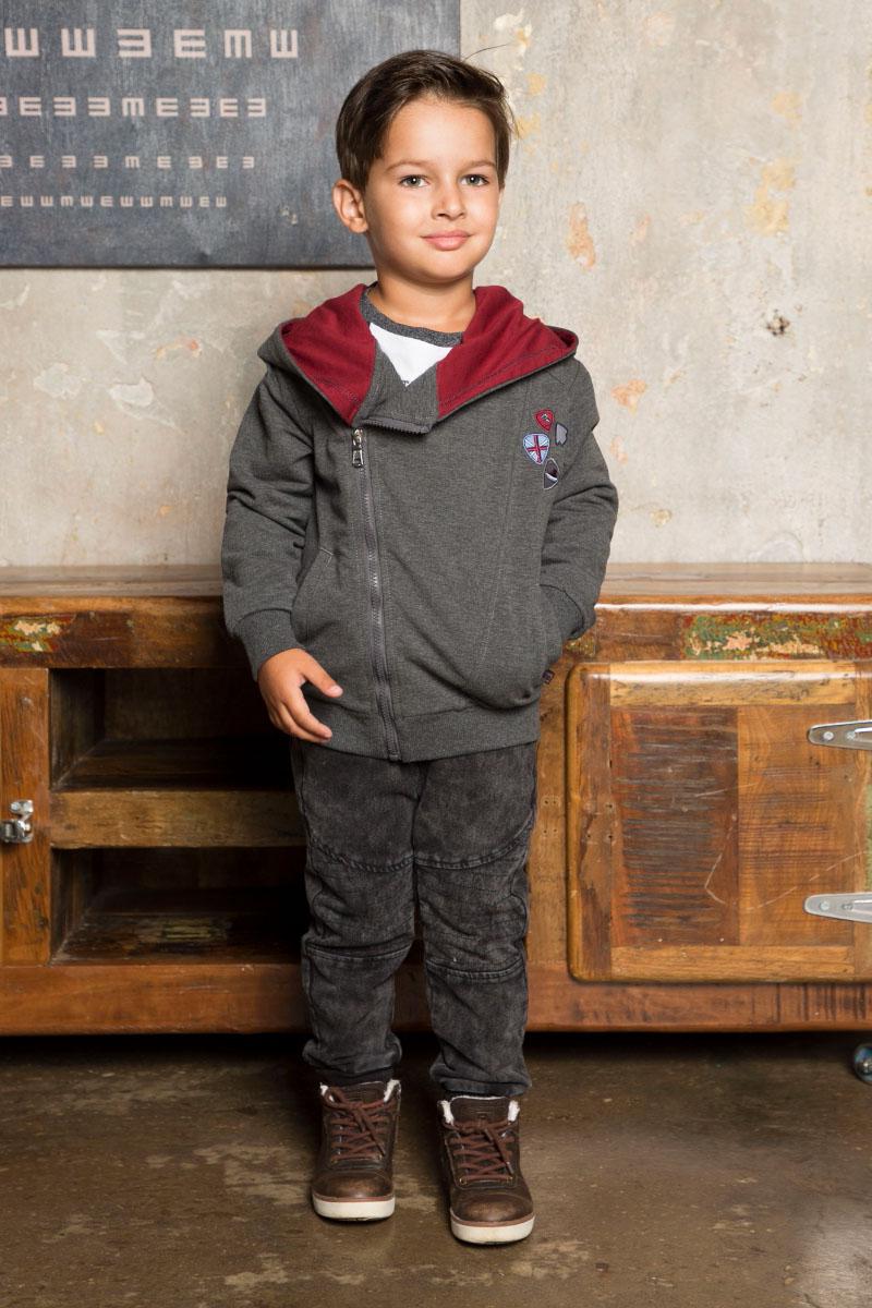 Толстовка для мальчика Sweet Berry, цвет: темно-серый. 733030. Размер 122733030Стильная трикотажная толстовка для мальчика от Sweet Berry с косой молнией и капюшоном. Декорирована вышивкой. Два прорезных кармана, длинный рукав.