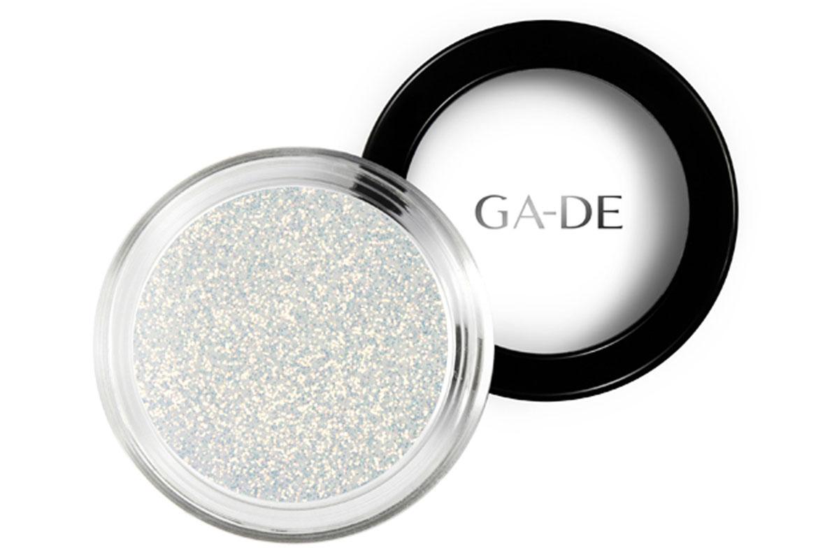 GA-DE Универсальный блеск Stardust №02 Stellar White, 4 г134200002GA-DE Stardust - это инновационный косметический глиттер, сверкающие частицы которого отражают свет, создавая восхитительный многомерный эффект. Блестки можно использовать как по отдельности, так и смешивая оттенки друг с другом, для создания своего собственного уникального сочетания и несравненного эффекта звездного свечения.