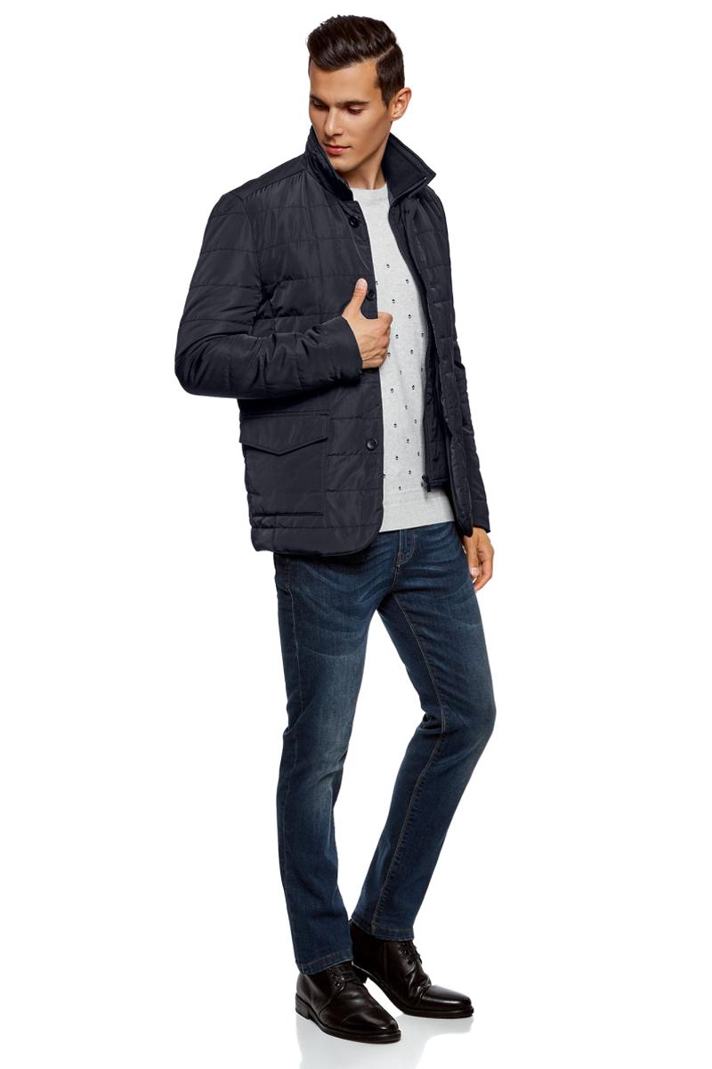 Куртка мужская oodji Lab, цвет: темно-синий. 1L111029M/47432N/7900N. Размер S (46/48-182)1L111029M/47432N/7900NМужская куртка от oodji выполнена из стеганого текстиля на подкладке с утеплителем. Модель прямого кроя с длинными рукавами и воротником-стойкой застегивается на молнию, имеется ветрозащитный клапан на пуговицах. По бокам расположены два накладных кармана с клапанами на кнопках. Имеется внутренний карман с застежкой на молнию.