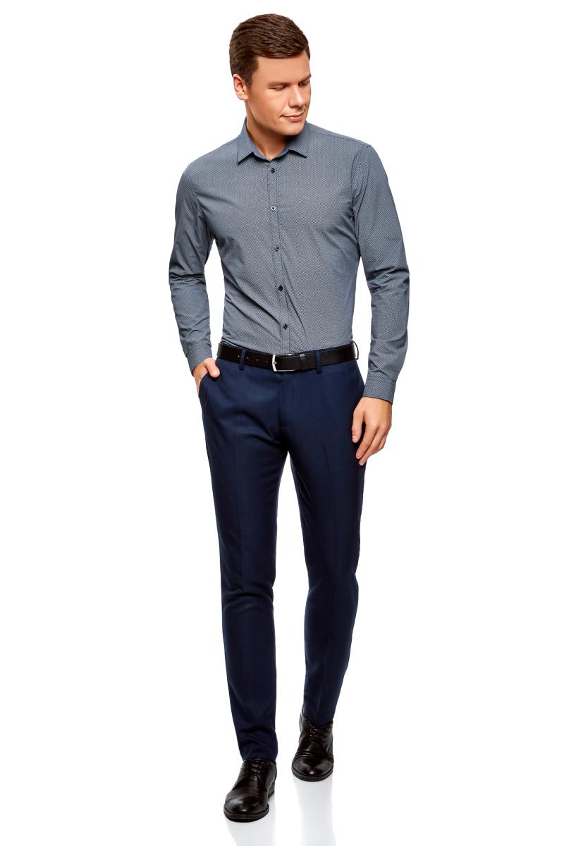 Рубашка мужская oodji Lab, цвет: темно-синий, белый, графика. 3L110279M/19370N/7910G. Размер 41 (50-182)3L110279M/19370N/7910GСтильная мужская рубашка от oodji выполнена из натурального хлопка. Модель с длинными рукавами и отложным воротником застегивается на пуговицы. Рукава дополнены манжетами на пуговицах.