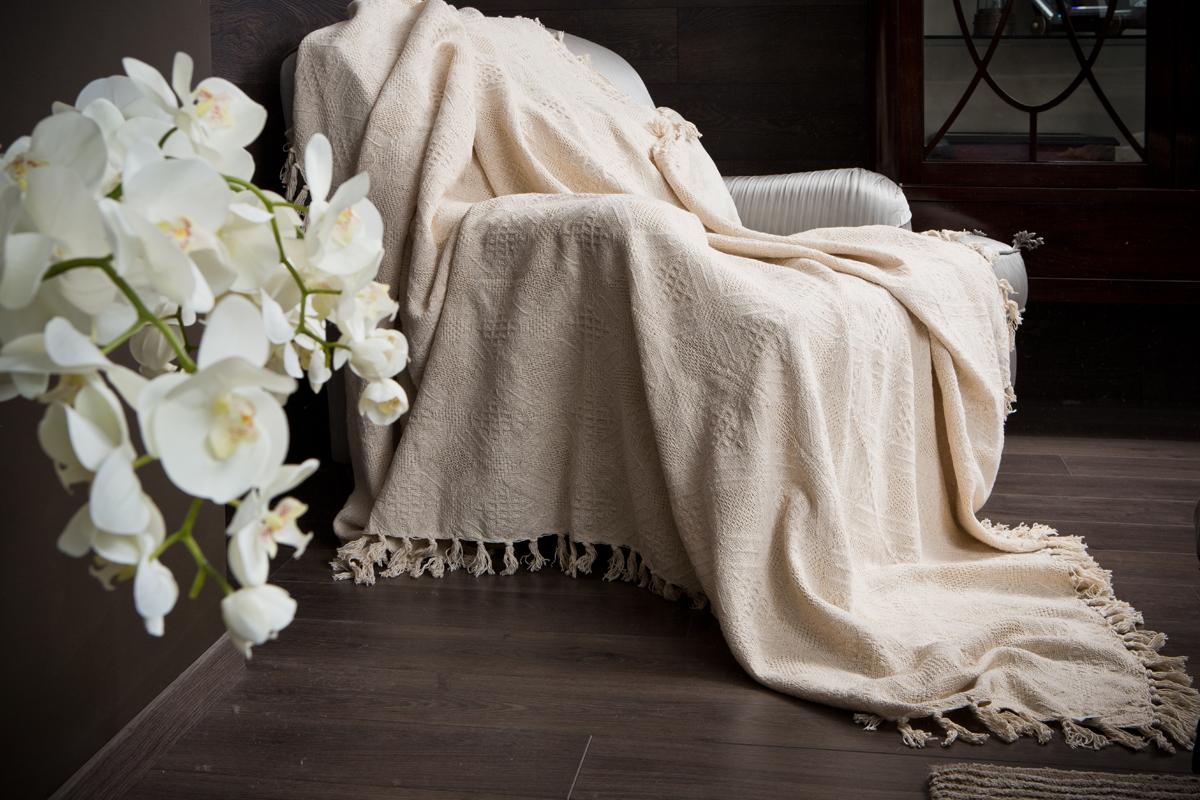 Покрывало Arloni Кокос, цвет: натуральный, 220 х 240 см2030.7Покрывало Arloni Кокос объемной вязки прекрасно оформит интерьер гостиной или спальни. Изготовлено из экологически чистого материала - 100% хлопка. Покрывало по краям декорировано кисточками. Хорошо смотрится и на диване, и на большой кровати. Покрывало Arloni не только подарит тепло, но и гармонично впишется в интерьер вашего дома.