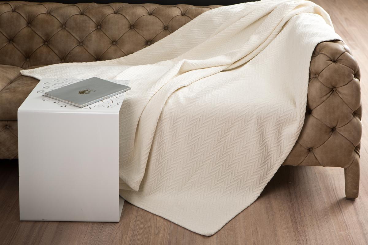 Покрывало Arloni Энджел, цвет: ванильный, 130 х 160 см2046.2Покрывало Arloni Энджел объемной вязки прекрасно оформит интерьер гостиной или спальни. Изготовлено из экологически чистого материала - 100% хлопка. Обработка края - подгиб.Покрывало Arloni не только подарит тепло, но и гармонично впишется в интерьер вашего дома.