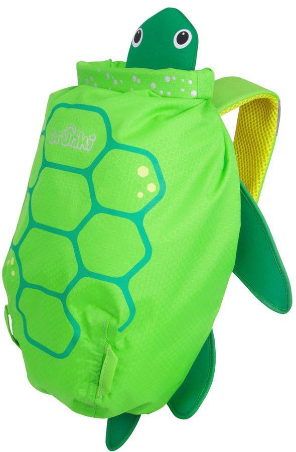 Trunki Рюкзак Черепаха0174-GB01Яркий и стильный рюкзак для бассейна и пляжа Лобстер от мирового производителя детских чемоданов и дорожный аксессуаров Транки (Trunki) - отличный подарок для маленьких путешественников! Рюкзак выполнен в виде зеленой черепашки с лапками, головой и панцирем. Материал, из которого сделан рюкзак, водоотталкивающий, а это значит, что малышу не придется волноваться за то, что его вещи и любимые игрушки могут промокнуть. Рюкзак для бассейна и пляжа оснащен специальным креплением Trunki, с помощью которого к рюкзаку можно подвесить детские солнцезащитные очки. Рюкзак имеет светоотражающую отделку, а также мягкие широкие лямки для того, чтобы малышам было удобно носить его. Основные характеристики: водоотталкивающий материал, надежная и простая застежка, широкие лямки обеспечивают удобную посадку и снижают давление, держатель для солнцезащитных очков, вставки из сетчатой дышащей ткани на спинке, светоотражающие вставки, благодаря размеру идеально подходит для раздевалок в бассейне или в школе. Рюкзак Trunki - незаменимый аксессуар для мальчиков и девочек и прекрасный подарок для походов в бассейн или на пляж. Размер рюкзака: 37 x 29 x 17 см. Объем: 7,5 литров.