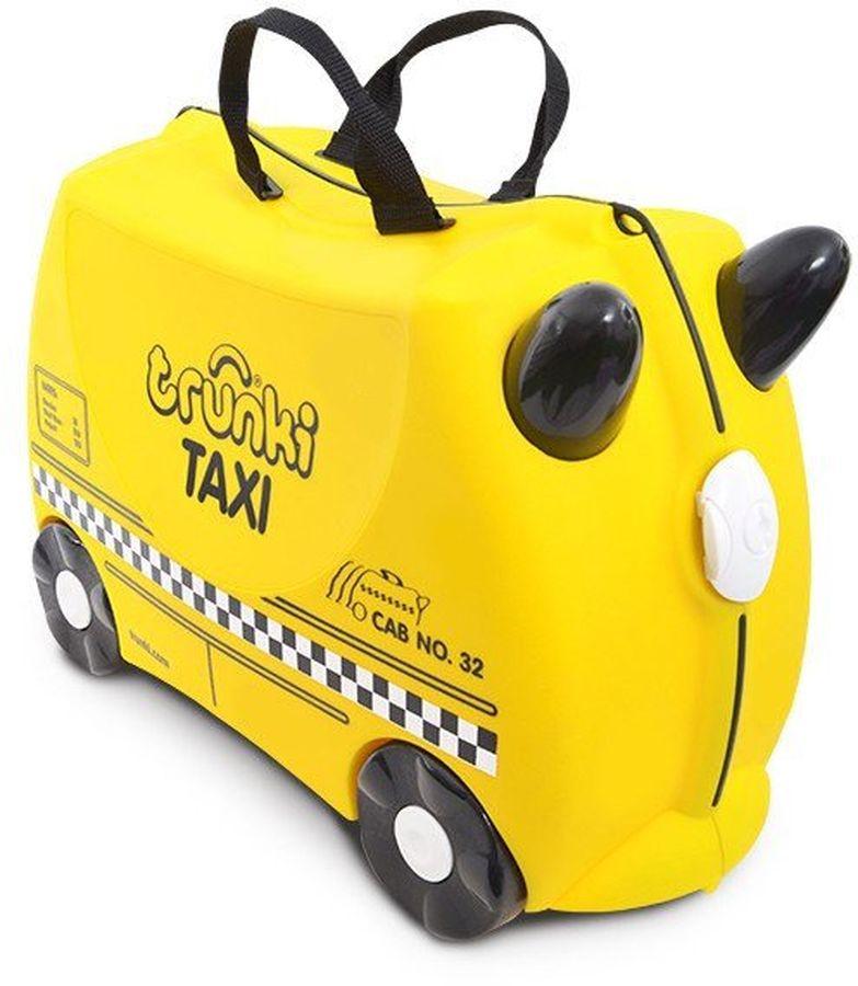 Trunki Чемодан детский Таксист Тони0263-GB01Детский чемодан Тони-таксист - восхитительная новинка от английского производителя детских чемоданов и дорожных аксессуаров! Чемоданы Trunki сделаны из прочного легкого пластика, что позволяет не только брать их с собой в путешествие, но даже кататься на них! Чемодан в виде яркой машины такси станет прекрасным игровым спутником каждого маленького путешественника. Чемодан выполнен в ярко-желтом цвете, рисунок на нем имитирует отличительные знаки машины такси. Белые и черные элементы на чемодане делают его более веселым и заметным. У чемоданчика есть забавные черные ручки в виде рожек, для того, чтобы ребенок мог держаться во время катания. Удобная прочная ручка из текстиля позволяет родителям возить чемодан или катать ребенка. Несмотря на забавный внешний вид, чемодан Транки очень прочен и функционален. Вместительная конструкция весит меньше 2 кг. Выемка в верхней части корпуса служит седлом для юных гонщиков, и мало какой ребёнок откажется от удовольствия прокатиться на таком необычном транспорте. Особенности чемодана Trunki: прочный легкий корпус с удобным сидением, широкие устойчивые колеса для перемещения и катания, прорезиненный мягкий обод вдоль отделений чемодана, надежный безопасный замок защищает от случайного раскрытия, специальный ремень с прочными карабинами позволяет легко перемещать чемодан и катать ребенка, ручки из пластика на корпусе чемодана позволяют ребенку держаться при перемещении. Чемоданы Trunki были созданы в Англии для того, чтобы малыши не скучали во время путешествий. В удобный вместительный чемодан можно заполнить необходимыми вехами, книгами и, конечно же, любимыми игрушками. Широкие устойчивые колеса позволяют не только перемещать чемодан, но и кататься на нем. Теперь при ожидании регистрации или рейса вашему ребенку точно не будет скучно!