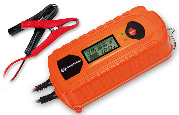 Зарядное устройство Daewoo. DW500DW500220В, выходное напряжение 6/12В, ток 5А, LED дисплей, емкость аккумулятора до 160Ач, 9 ступеней зарядки, тест и восстановление АКБ, с подвесом, одностороннее расположение проводов